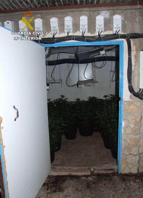 La Guardia Civil desmantela una activa y peligrosa organización criminal dedicada al tráfico de drogas y al vuelco a otros traficantes de drogas - 5, Foto 5