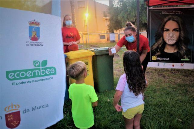 En marcha los talleres de reciclaje para los más pequeños todos los viernes de los 'veranos de barrio', Foto 1