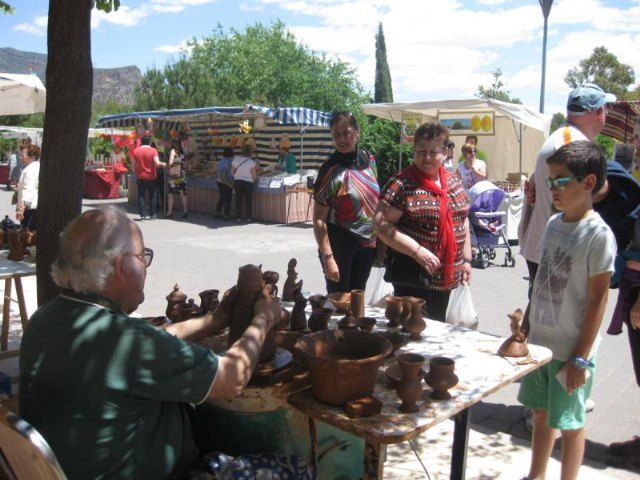The Artisan Market anticipates Holy Sunday, the 18th, to coincide with the XXXI edition of the Subida al Shrine of the Holy