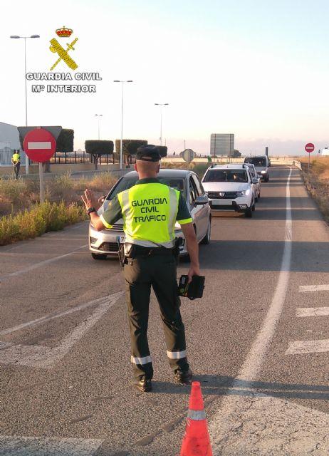La Guardia Civil investiga al conductor de un camión portavehículos de 7,5 toneladas por sextuplicar la tasa máxima de alcohol - 2, Foto 2