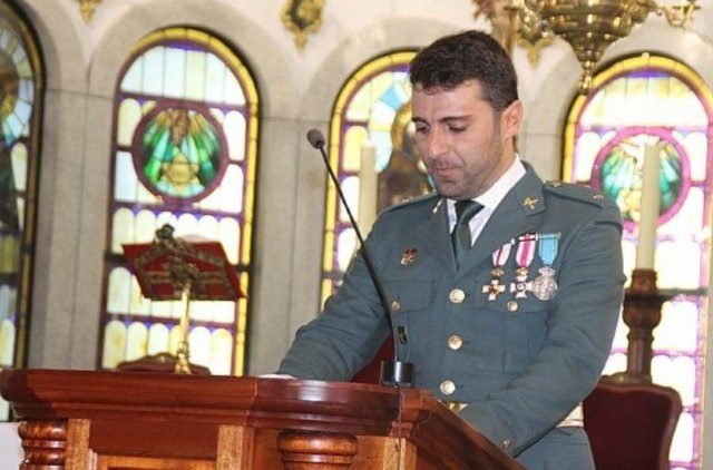 The Mayor's Office proposes to publicly recognize the work of the Lieutenant of the Civil Guard, Bernardo Vivas