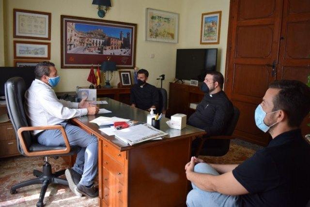 El nuevo párroco de San Miguel mantiene su primer contacto oficial con el Ayuntamiento - 1, Foto 1