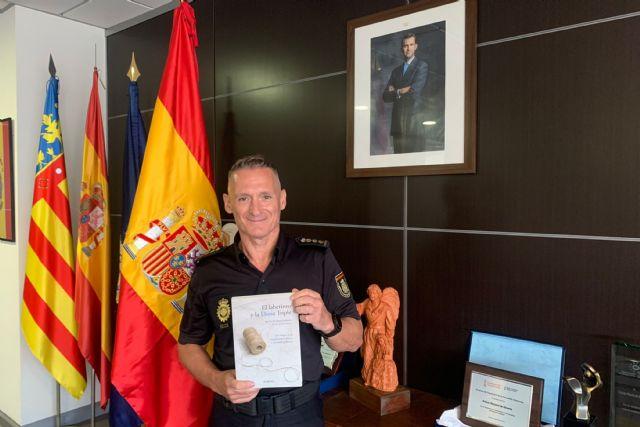 El excomisario de Cartagena, Ignacio del Olmo, presenta su ensayo de novela policiaca en el Luzzy - 1, Foto 1