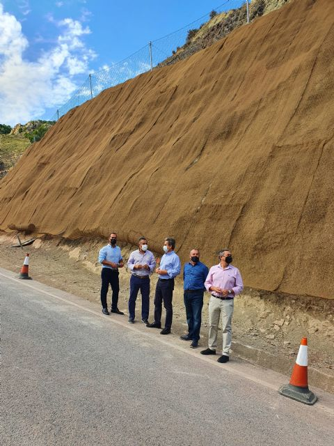 Fomento refuerza la seguridad de los taludes de la carretera que conecta Ojós y Blanca - 1, Foto 1