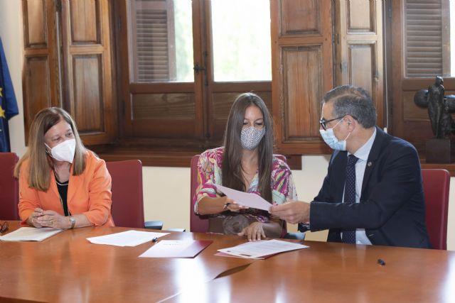 La UMU y el Colegio Profesional de Ambientólogos firman un convenio de colaboración - 1, Foto 1