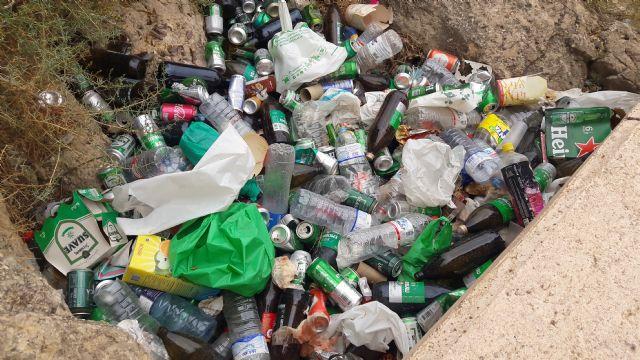 El PP exige una intervención de choque para limpiar el barrio de San Juan y el lecho del río - 1, Foto 1