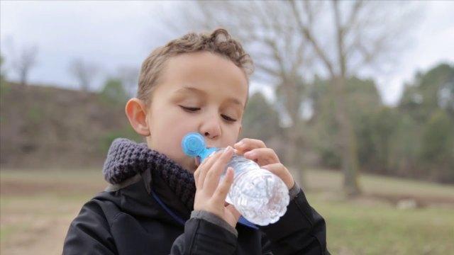 Waterologies lanza el primer equipo del mundo que potabiliza agua sólo conectándolo a un Smartphone - 1, Foto 1