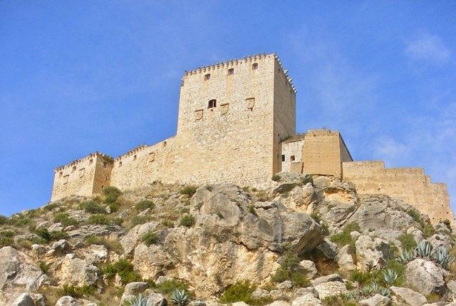 La Comunidad realiza una nueva obra de emergencia para consolidar la muralla del Castillo de Mula - 1, Foto 1