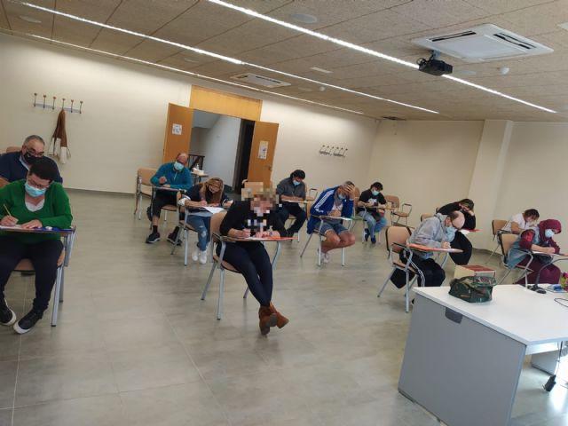 El Candil inicia dos nuevas ediciones de la acci�n formativa Competencias B�sicas para el Empleo en Totana y Alhama, Foto 3