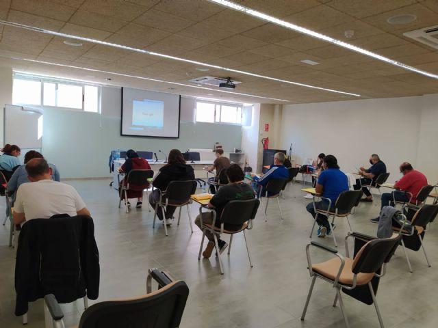 El Candil inicia dos nuevas ediciones de la acci�n formativa Competencias B�sicas para el Empleo en Totana y Alhama, Foto 4