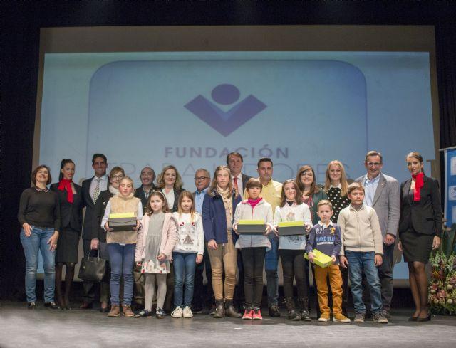 Más de 1.000 escolares participan en el concurso de cuentos navideños organizado por la Fundación de Trabajadores de ELPOZO ALIMENTACIÓN, Foto 1