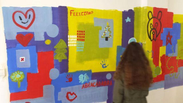 Gran jornada artística en familia para pintar el centro social del barrio del Carmen con un gran mural - 4, Foto 4