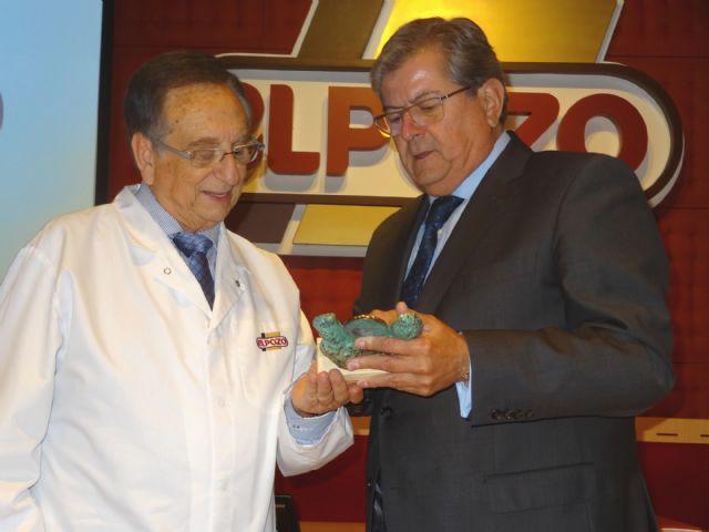 Los economistas entregan el Ecónomo Institucional de la corporación a Tomás Fuertes por su trayectoria excepcional en la industria alimentaria española, Foto 1