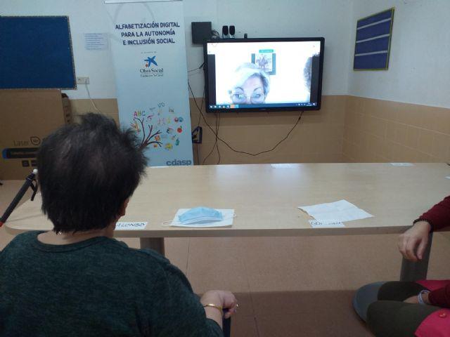 Usuarios del Centro de Día de Aidemar endulzan la Navidad a personas mayores en situación de vulnerabilidad emocional - 1, Foto 1