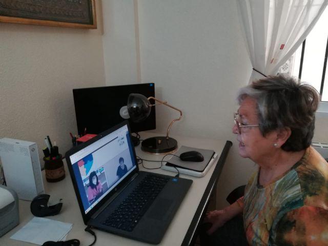 Usuarios del Centro de Día de Aidemar endulzan la Navidad a personas mayores en situación de vulnerabilidad emocional - 2, Foto 2