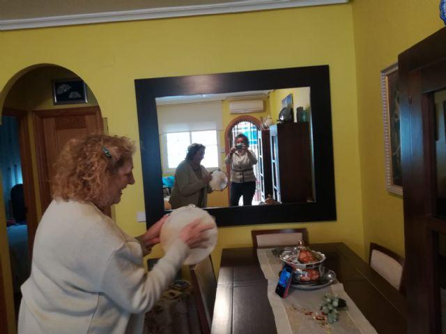 Usuarios del Centro de Día de Aidemar endulzan la Navidad a personas mayores en situación de vulnerabilidad emocional - 3, Foto 3