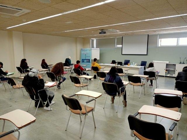 El Proyecto Labor 2.0 inicia la formación Competencias básicas para el empleo - 1, Foto 1