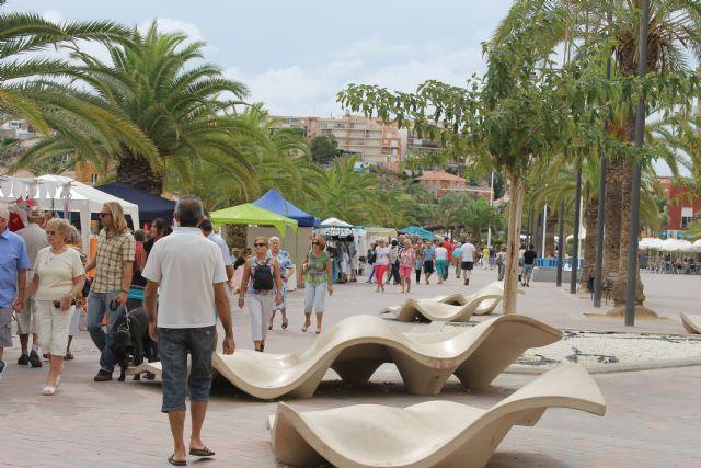 Nueva cita con el mercado artesano en Puerto de Mazarrón, este sábado 19, Foto 1