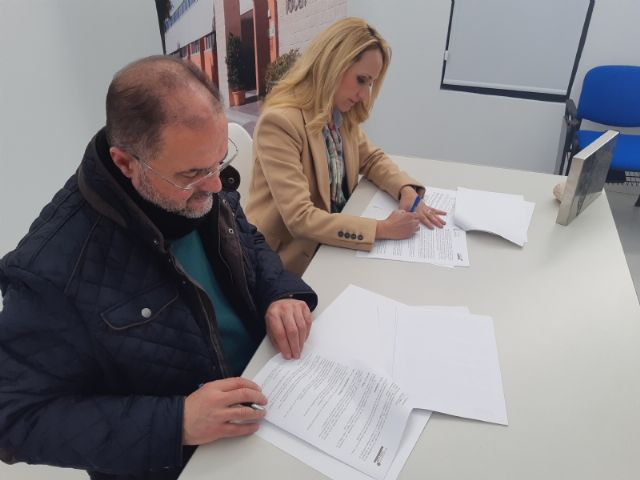 """The City Council signs an agreement with the Association of Young Entrepreneurs """"Guadalentín Emprende"""", Foto 2"""