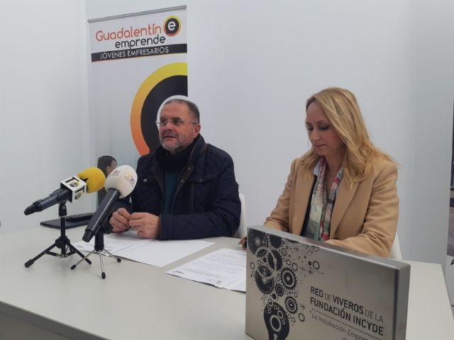 """The City Council signs an agreement with the Association of Young Entrepreneurs """"Guadalentín Emprende"""", Foto 3"""