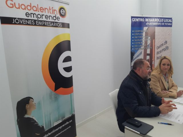 """The City Council signs an agreement with the Association of Young Entrepreneurs """"Guadalentín Emprende"""", Foto 4"""