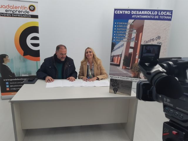 """The City Council signs an agreement with the Association of Young Entrepreneurs """"Guadalentín Emprende"""", Foto 6"""