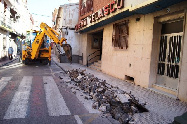 Work begins to remove one of the main traffic black spots in Santa Eulalia Avenue and standardize street parking Mecas