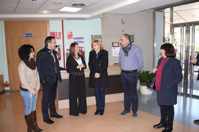 D. Diego Conesa propone a la consejera Dª Violante Tomás la ampliación de la Residencia de Mayores de Alhama, Foto 1