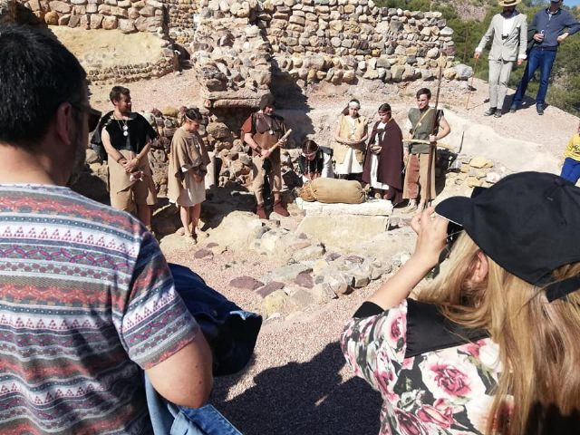 The next theatrical visit to the La Bastida site will be on Saturday, April 13, in two morning shifts