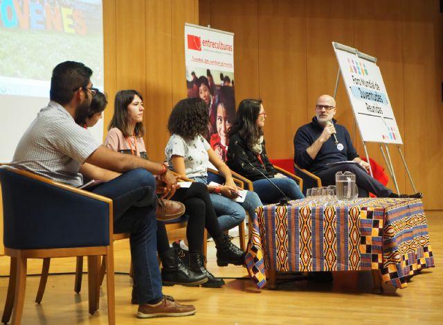 Más de 200 jóvenes y 70 docentes de 10 países se han dado cita en Madrid este fin de semana para construir ciudadanía global - 3, Foto 3