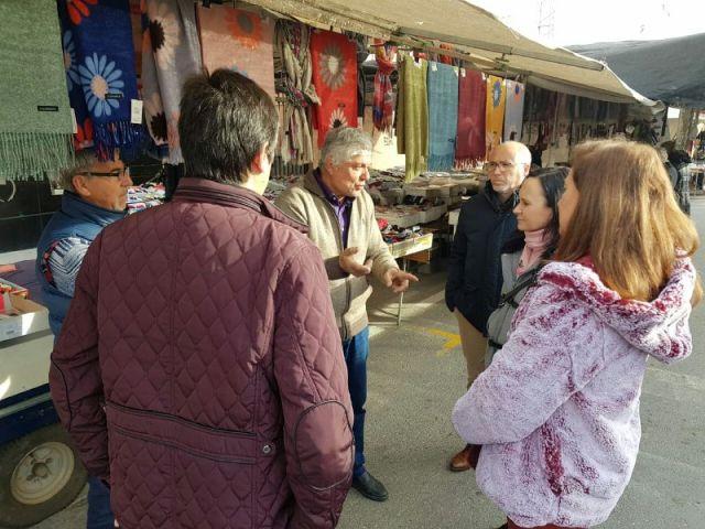 MC: El Gobierno pone en peligro el futuro de los mercadillos abandonando a los profesionales del sector - 1, Foto 1