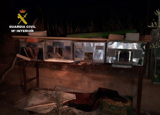 La Guardia Civil detiene a un joven por la comisión de una decena de robos en viviendas de Caravaca de la Cruz - 3, Foto 3