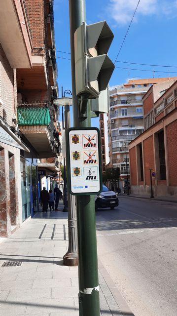 El Ayuntamiento adapta los pasos de peatones de Alcantarilla a personas con trastornos del espectro autista - 3, Foto 3