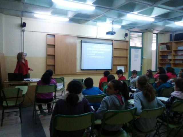 La Concejalía de Bienestar Social desarrolla actividades para la promoción de la inteligencia emocional en el aula y en las familias - 1, Foto 1