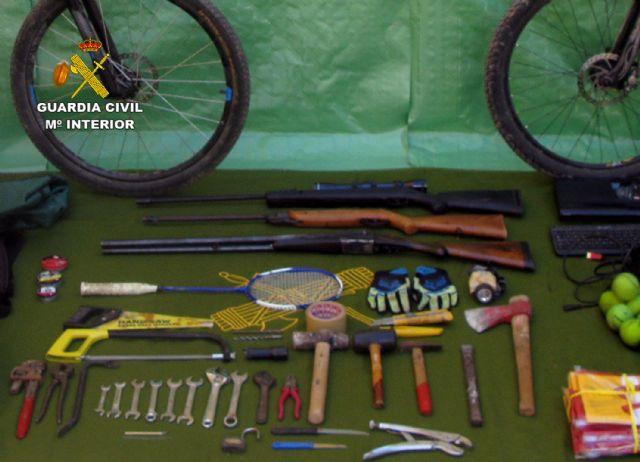 La Guardia Civil desmantela un grupo delictivo juvenil dedicado a la comisión de robos en casas de campo y chalets, Foto 6