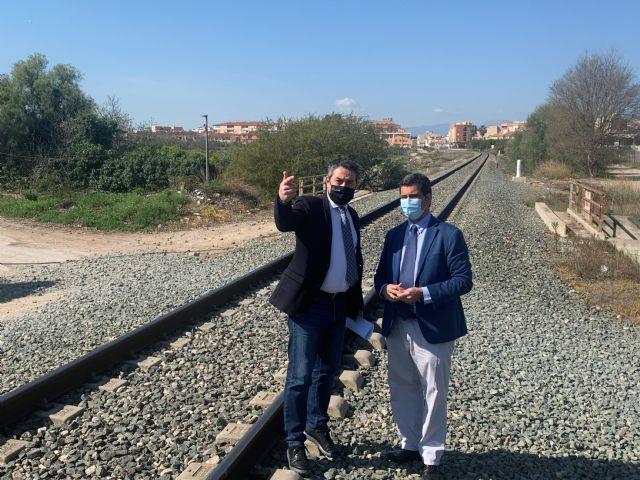 Comunidad, Ayuntamiento y ADIF alcanzan un acuerdo para cubrir el trazado del Corredor Mediterráneo a su paso por Alcantarilla - 1, Foto 1