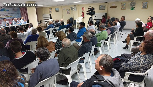 AVIAL ofreció una charla-coloquio sobre la Intervención meteorológica de las avionetas antilluvia, Foto 2