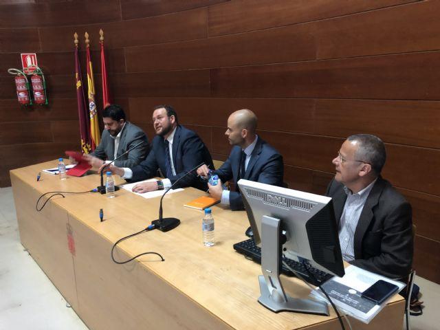 Expertos en tecnología se reúnen en el Ayuntamiento para conocer la guía de soluciones y tecnologías para municipios inteligentes del Cluster Citizem - 1, Foto 1