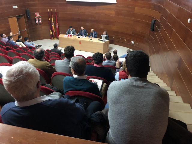 Expertos en tecnología se reúnen en el Ayuntamiento para conocer la guía de soluciones y tecnologías para municipios inteligentes del Cluster Citizem - 2, Foto 2