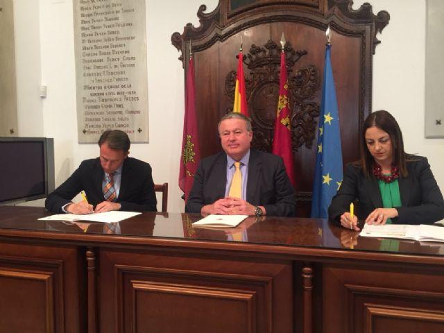 La Jefatura Provincial de Tráfico y el Ayuntamiento de Lorca firman un protocolo para delimitar competencias en materia de seguridad vial en carreteras del municipio - 1, Foto 1
