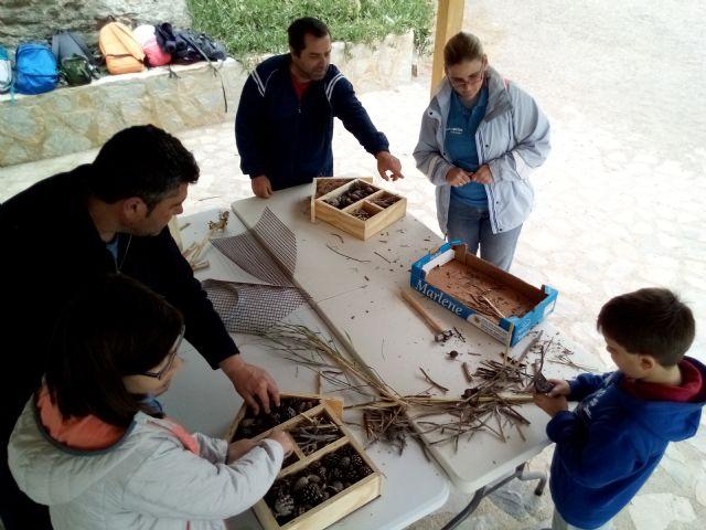 Los usuarios de Afemac participan en una jornada medio ambiental en el Molino del Saltaor - 1, Foto 1