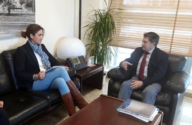La alcaldesa consigue el compromiso del consejero de buscar financiación para rehabilitar la margen izquierda del Segura - 1, Foto 1