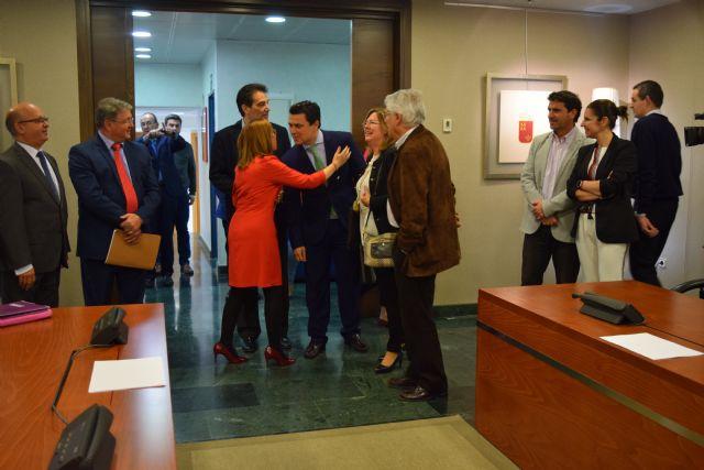 Jesús Cano: Los alcaldes del Mar Menor nos han puesto como deberes la elaboración de la ley en la Asamblea, Foto 1