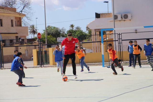Fabio y Pito comparten la jornada con los escolares del CEIP Severo Ochoa de San Javier - 4, Foto 4