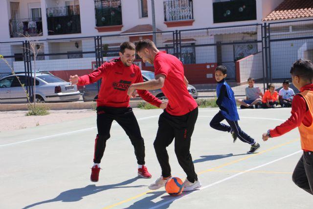 Fabio y Pito comparten la jornada con los escolares del CEIP Severo Ochoa de San Javier - 5, Foto 5