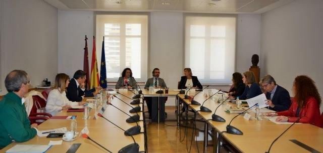 La Comunidad traslada el Gobierno de España su voluntad de introducir en la enseñanza una unidad didáctica sobre terrorismo y víctimas, Foto 1