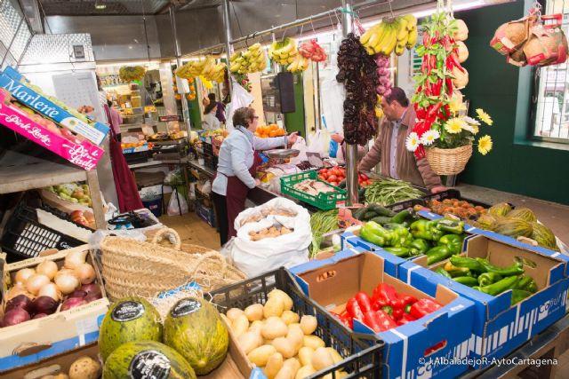 El mercado de Santa Florentina abre el Jueves Santo para facilitar las compras de productos frescos - 1, Foto 1