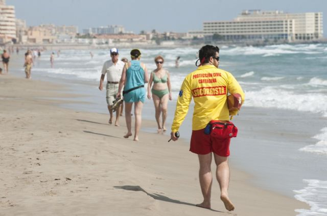 La Mesa de Contratación avanza telemáticamente en la licitación del contrato de salvamento en playas - 1, Foto 1