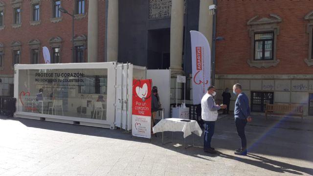 La FEC realiza pruebas para controlar el colesterol de forma gratuita a pie de calle en Murcia - 1, Foto 1