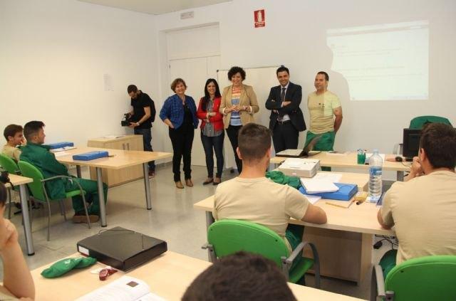 El SEF facilita la inserción laboral de casi una treintena de personas en Puerto Lumbreras - 1, Foto 1